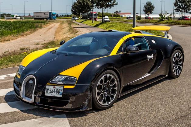 Bugatti Veyron Vitesse Elisabeth Junek Edition -the Elisabeth Junek Bugatti Legends Edition Veyron spotted near the factory