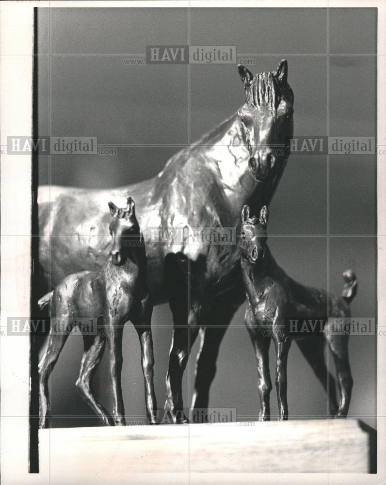 Details about 1983 Press Photo Alonzo Clemons animal sculptor horses