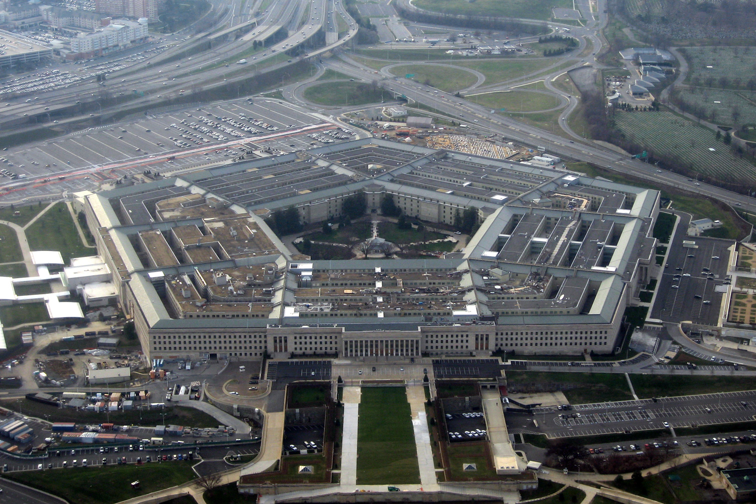 Pentagon CIO wants staff to upgrade to Windows 10 on their home devices