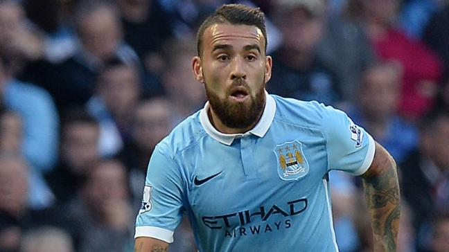 The 29-year old son of father (?) and mother(?), 183 cm tall Nicolás Otamendi in 2017 photo