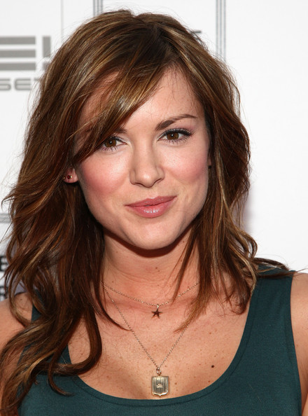 The 38-year old daughter of father (?) and mother(?), 169 cm tall Danneel Ackles in 2017 photo