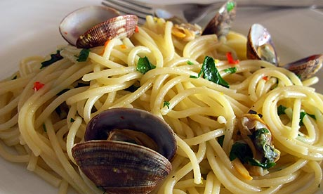 How to cook perfect spaghetti alle vongole | Life and ...