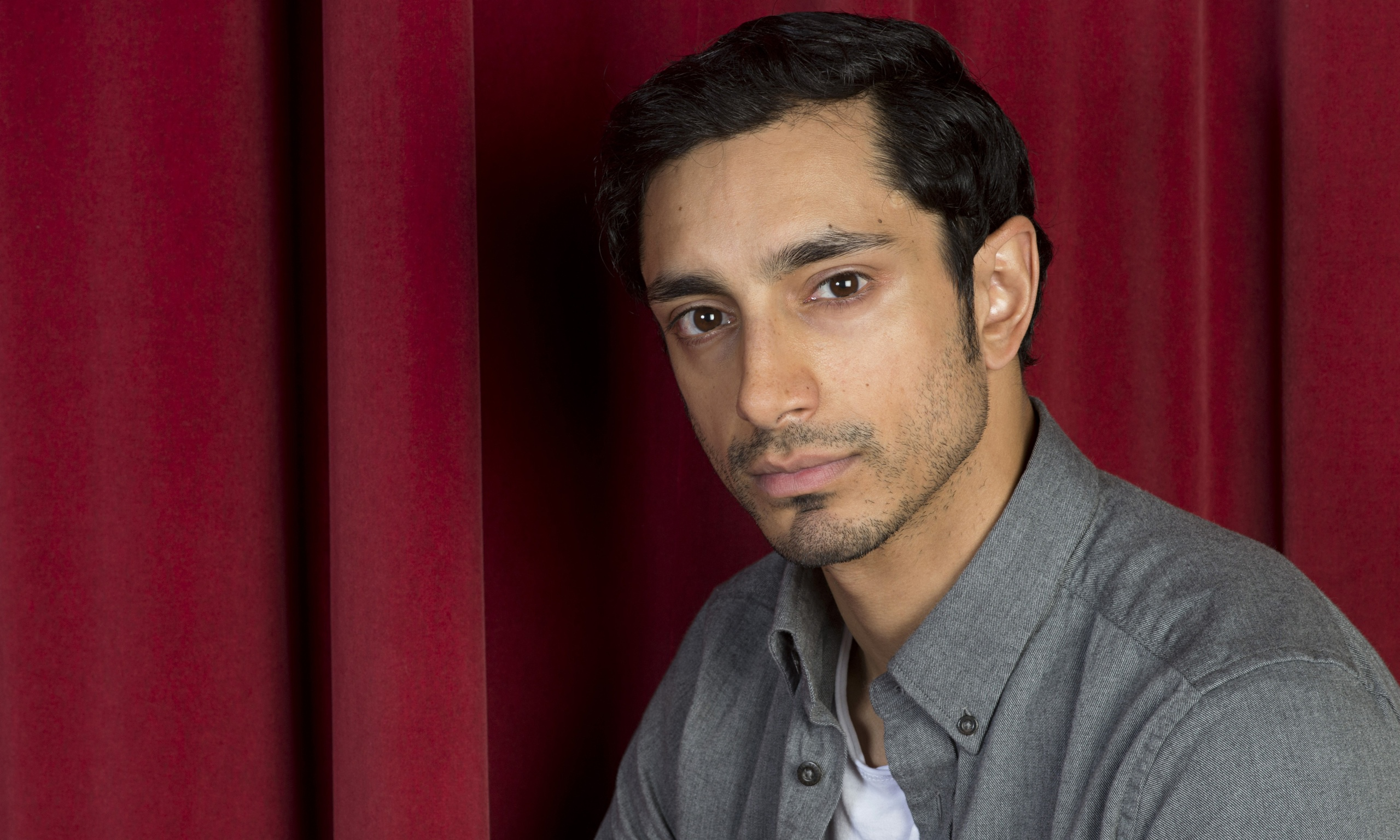 The 34-year old son of father (?) and mother(?), 173 cm tall Riz Ahmed in 2017 photo