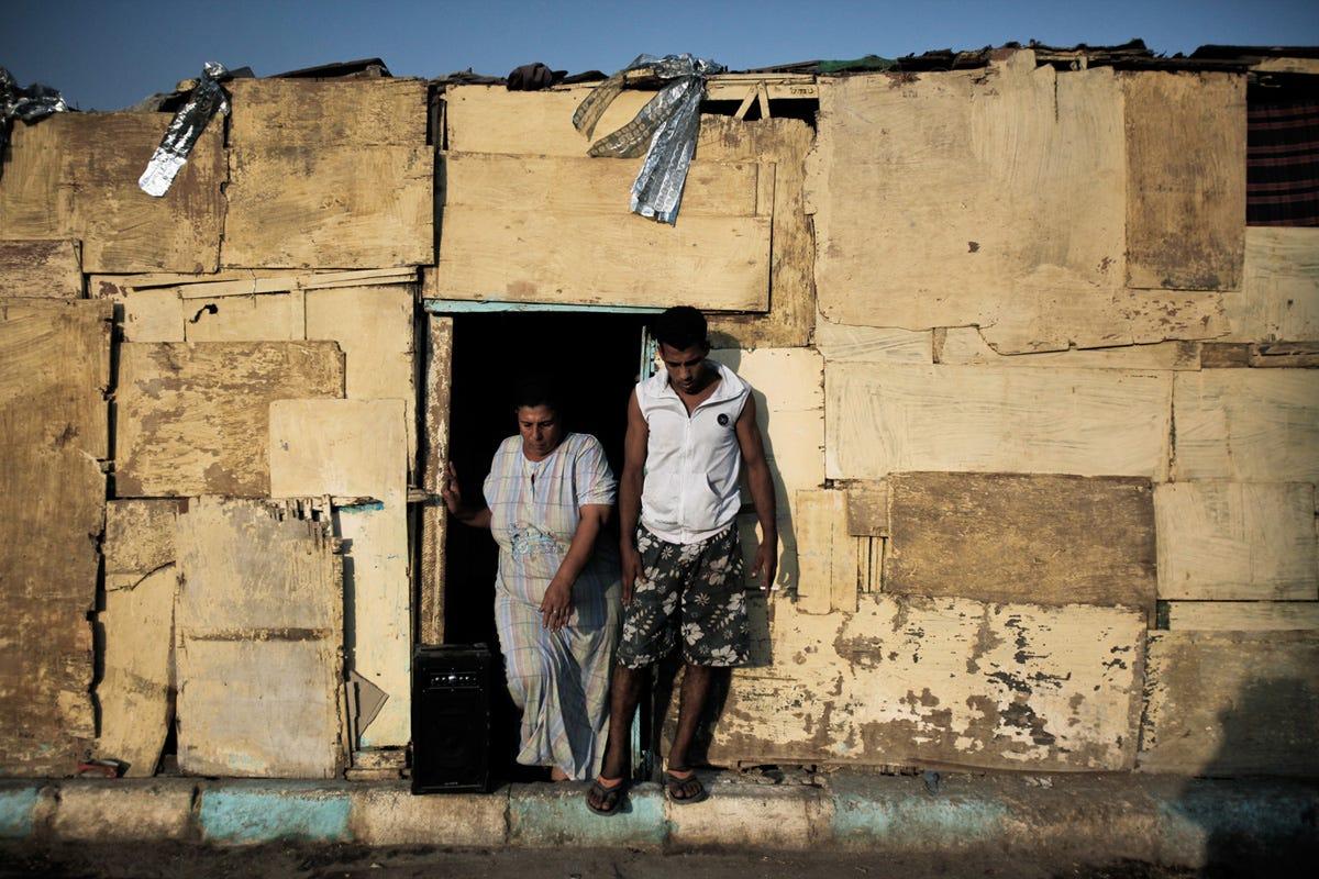 Massive Cairo Cemetery Slum - Business Insider