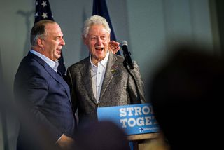 Clinton calls Obamacare 'craziest thing' | Timmins Press