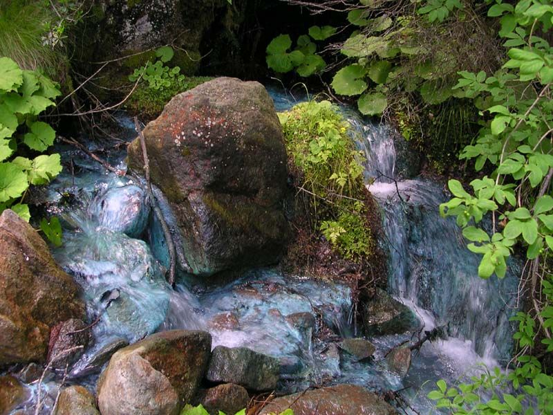 Sorgente dell'acqua verde, l'eve verda, l'eau verte di Saint Marcel