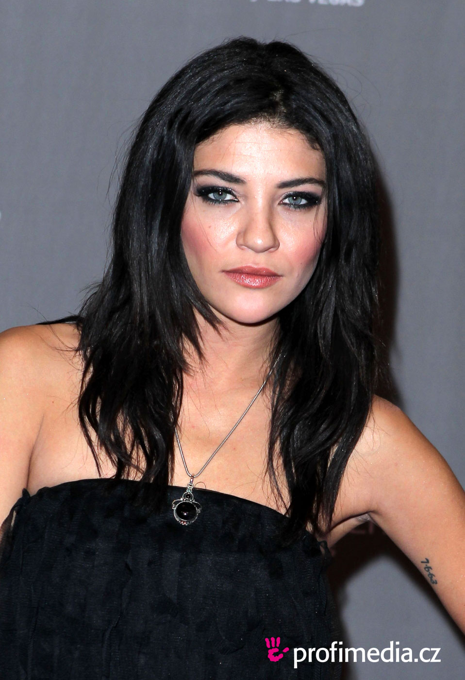 The 32-year old daughter of father (?) and mother(?), 168 cm tall Jessica Szohr in 2017 photo