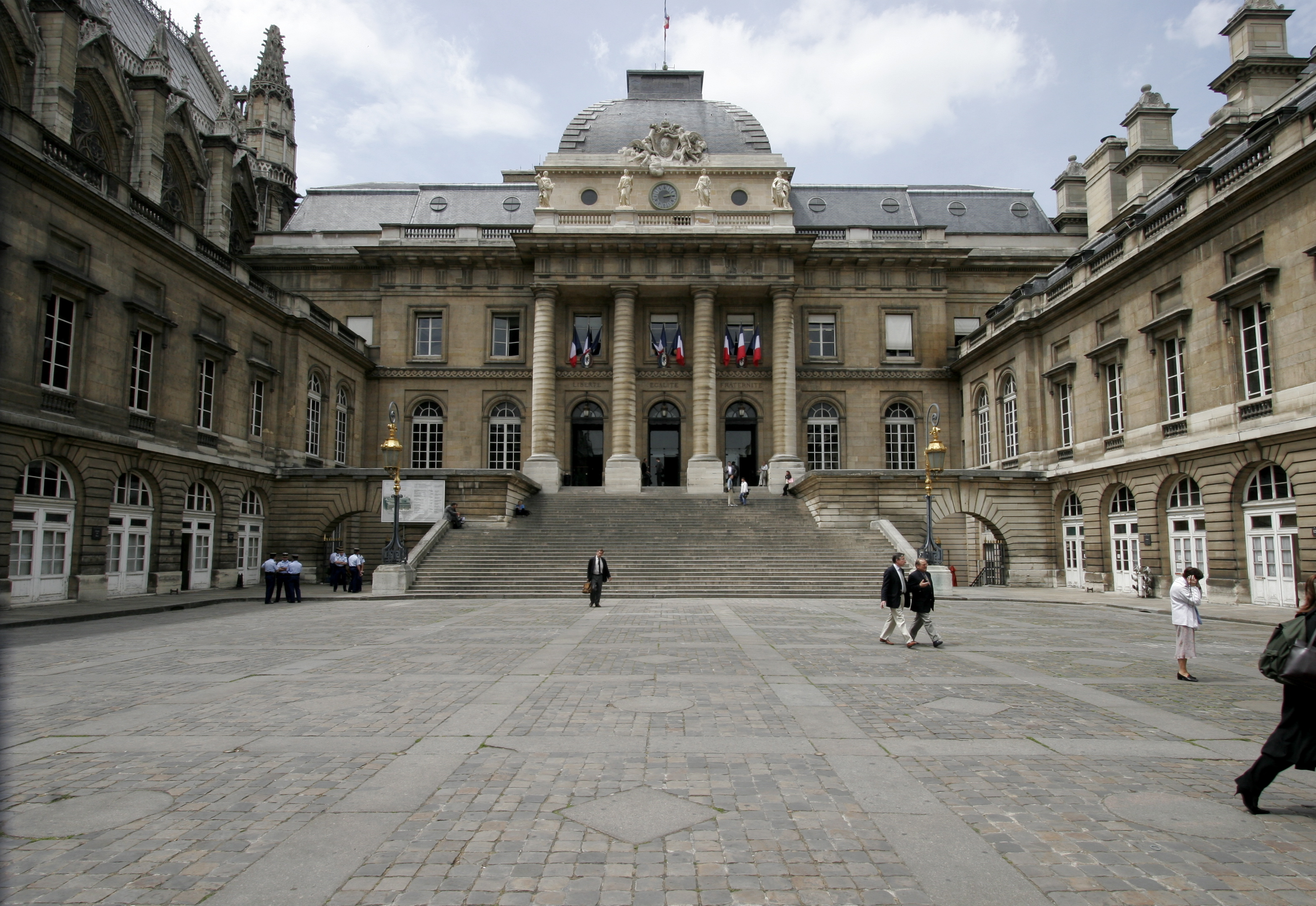 File:Palais-de-justice-paris.jpg - Wikimedia Commons