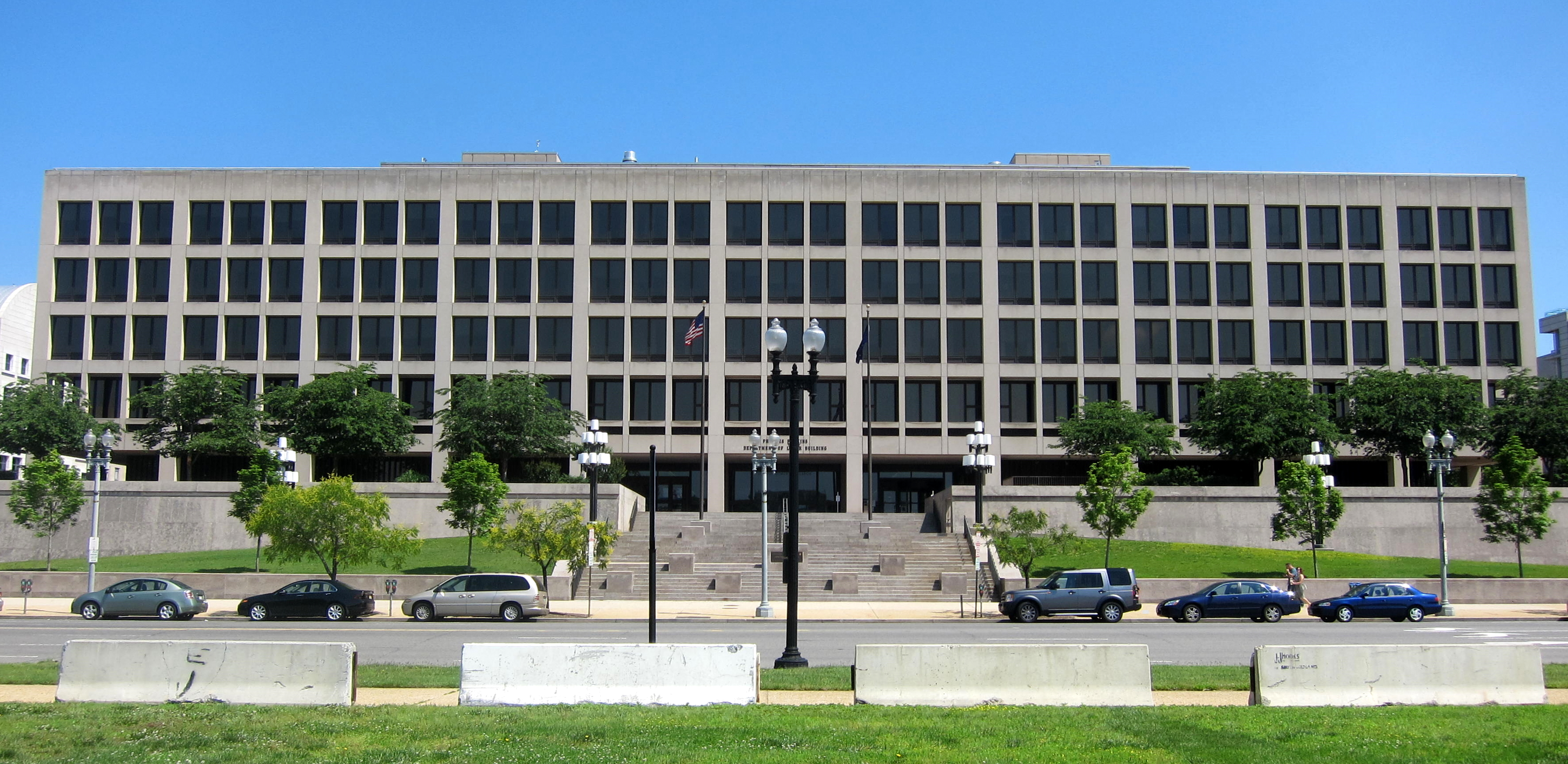 File:Frances Perkins Building.JPG - Wikimedia Commons