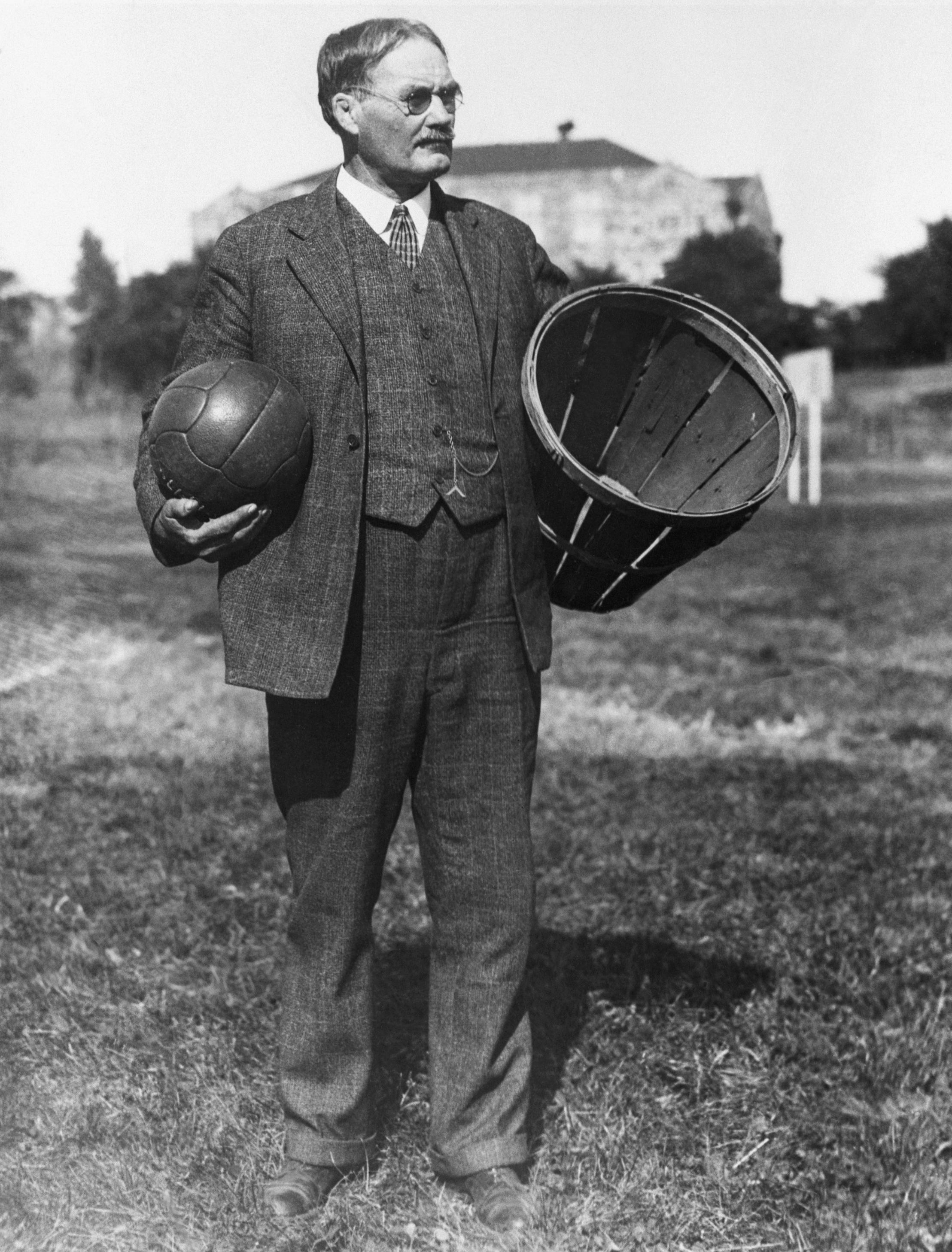 James Naismith, fondateur du basket-ball - Cultea