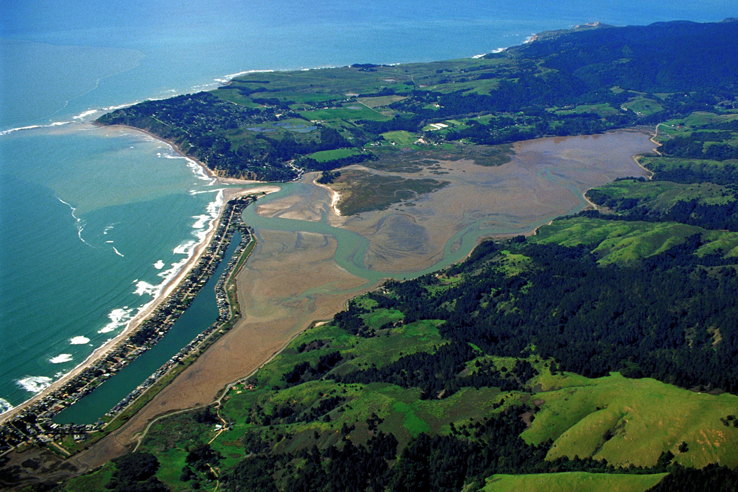 File:Bolinas California aerial view.jpg - Wikimedia Commons