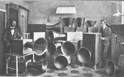 Luigi Russolo: , employing Intonumori , 1924