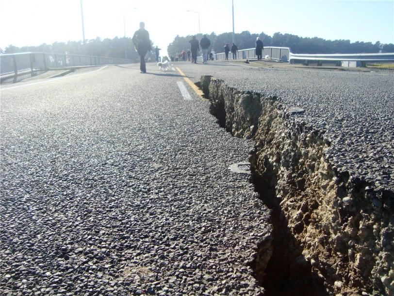Terremotos en el Mundo: Replicas en dos semanas desatan pánico ...