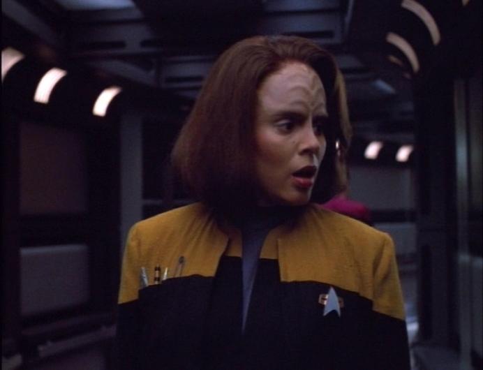 star trek - Which Starfleet uniforms have pockets ...