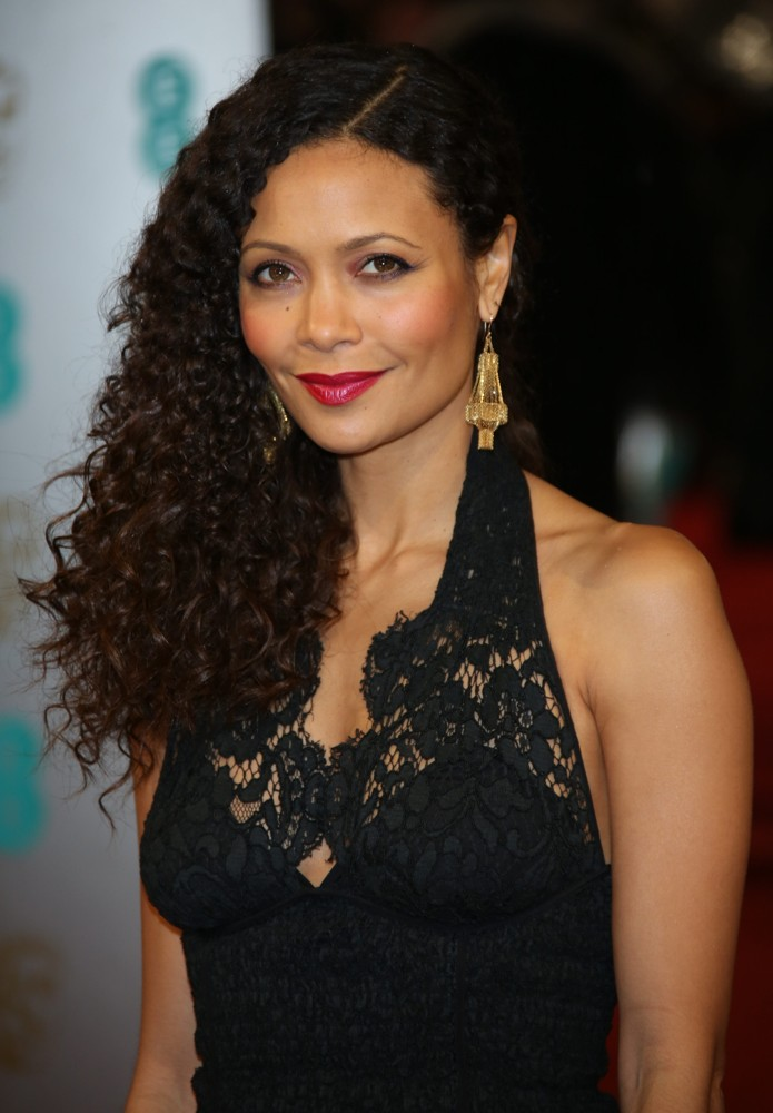 Den 45-år gammal, 167 cm lång Thandie Newton in 2018 photo