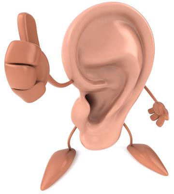 La forma dell'orecchio richiama fortemente una P.