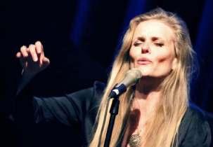 La chanteuse de jazz Tierney Sutton apporte une note ...