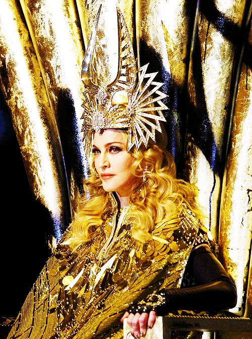 Madonnas Superbowl Halftime Show + Garderobe « beatstylist.com