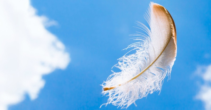 CrystalWind.ca - 8 Signs You Have a Guardian Angel Nearby   Angels