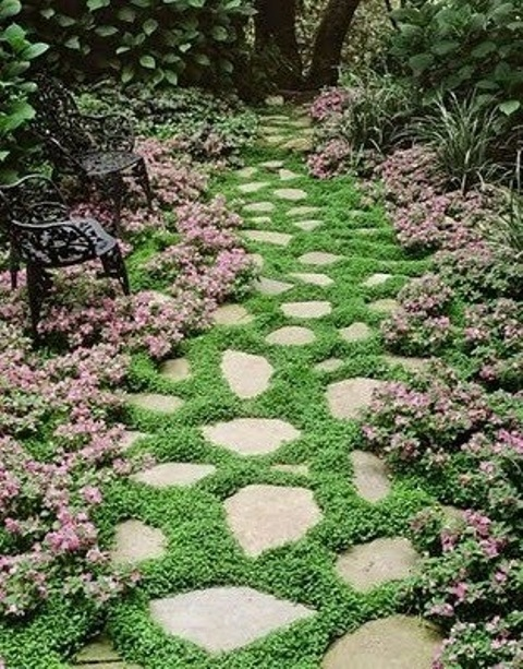 43 Awesome Garden Stone Paths - DigsDigs
