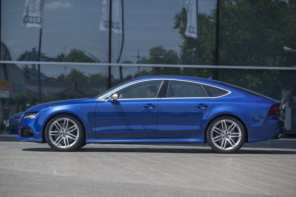 2014 Audi RS7 Sportback - Audi autonomous RS 7 Sportback to run racing speed lap at Hockenheim
