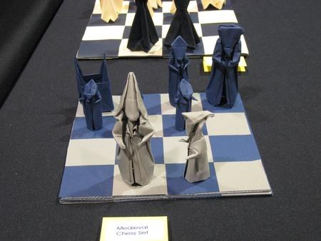 jeu d'échec en origami ?u=http%3A%2F%2Fwww.giladorigami.com%2FP_OUSA2008_EXN_Hulme_Chess1