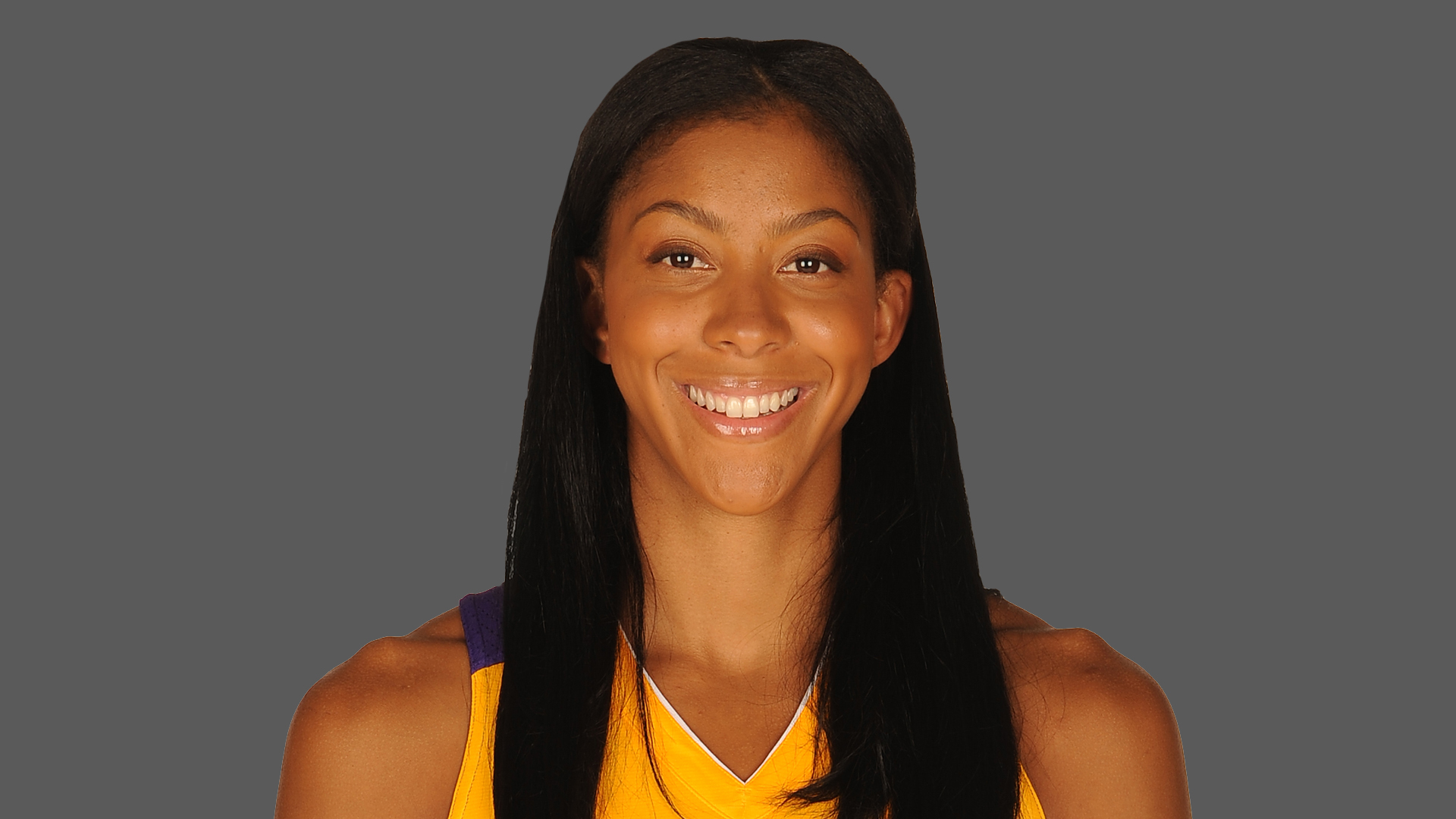 The 31-year old daughter of father (?) and mother(?), 193 cm tall Candace Parker in 2017 photo