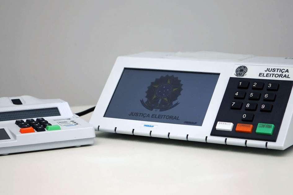 TSE investe em 180 mil urnas eletrônicas para as eleições ...