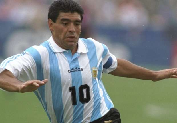 https://external-content.duckduckgo.com/iu/?u=http%3A%2F%2Fwww.maravipost.com%2Fwp-content%2Fuploads%2F2018%2F12%2Fdiego-maradona-argentina.jpg&f=1&nofb=1