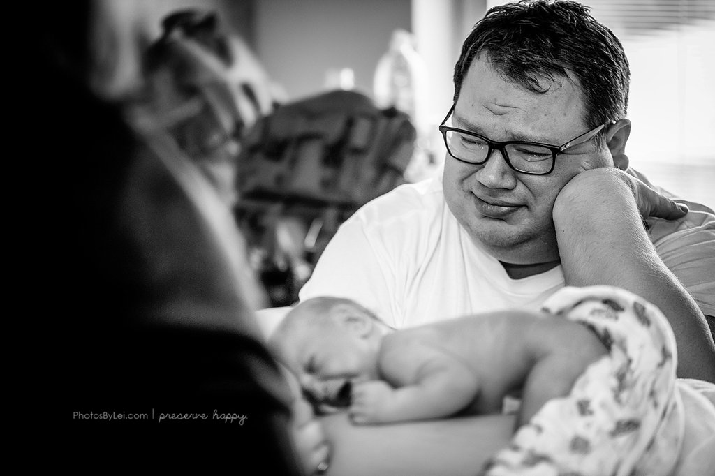 This Dad Shows Us The Overwhelming Emotion Of Welcoming A ...
