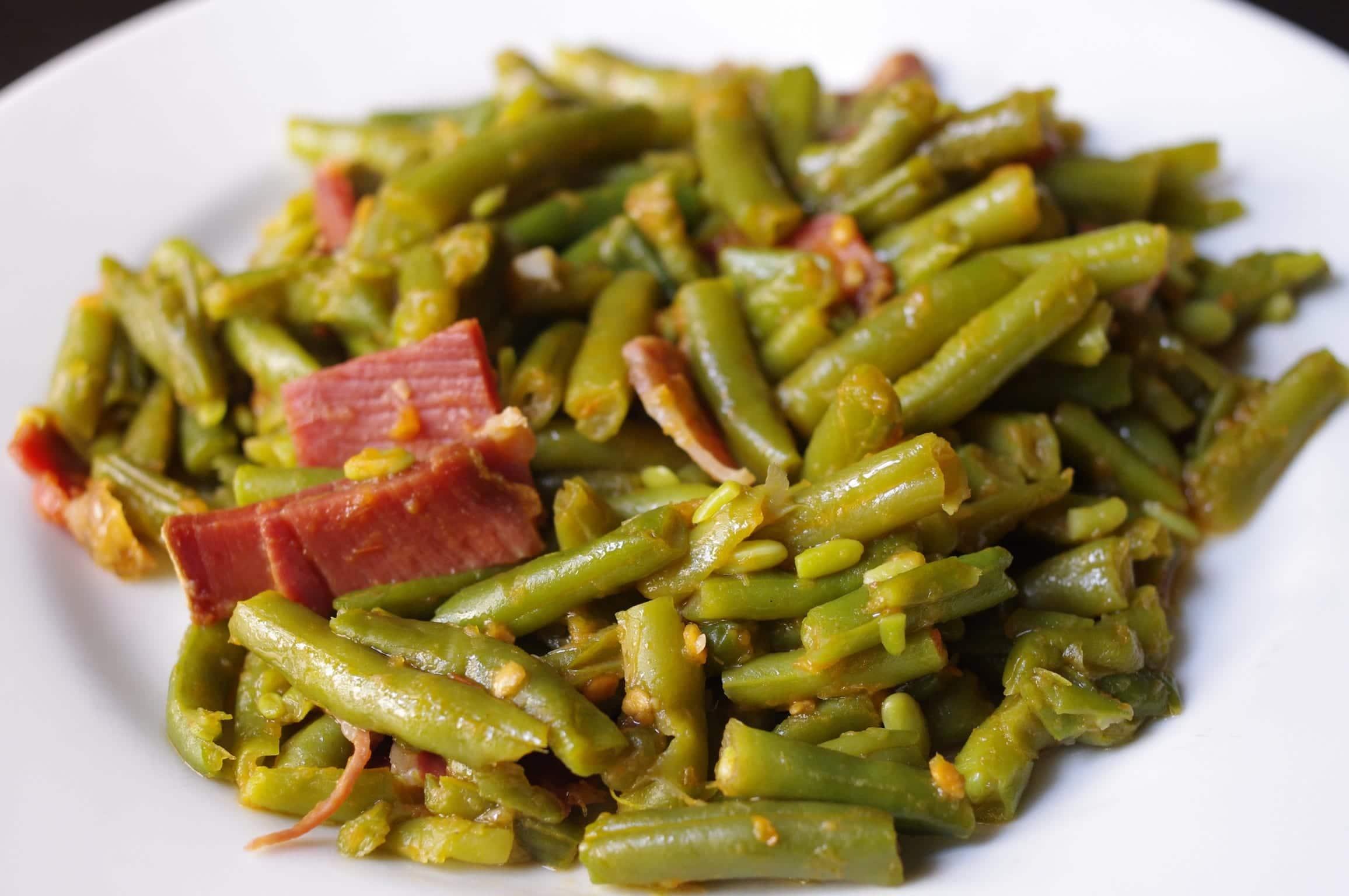 Judías verdes rehogadas con jamón - Recetín