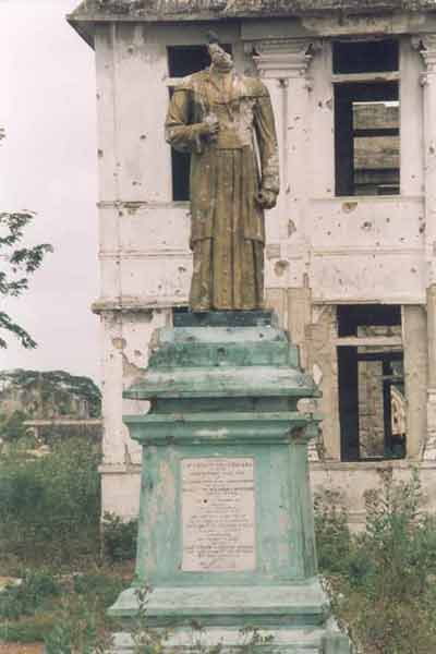 Remembering the Jaffna Public Library in 2001