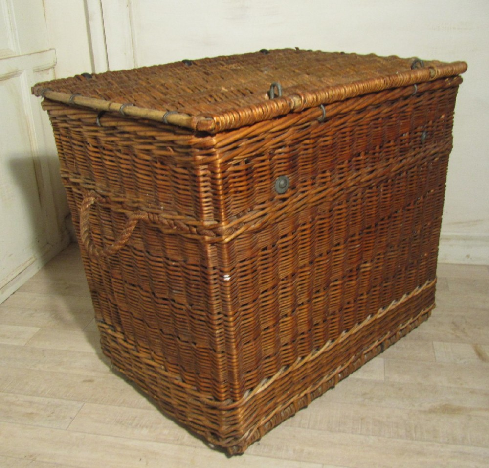 Large Victorian Antique Wicker Laundry Basket. | 260568 ...