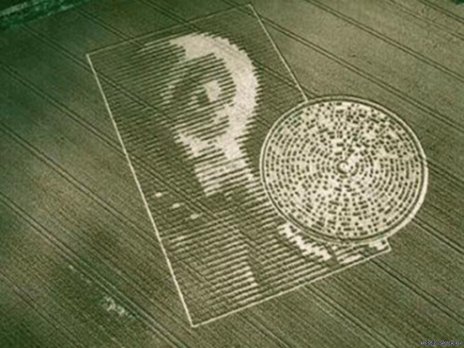 10 of The Best Crop Circles Ever