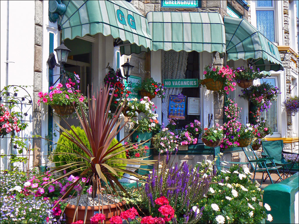Great Yarmouth, including the Pleasure Beach, Britannia ...