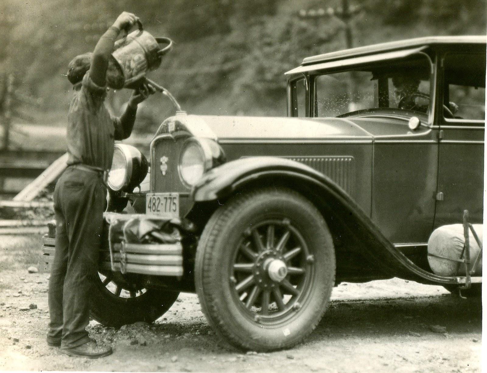 1927BoyWateringCanRadiatorBigWateringTro