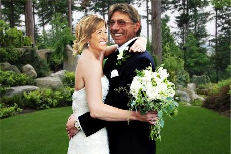 Who is Suzy Kolber dating? Suzy Kolber boyfriend, husband