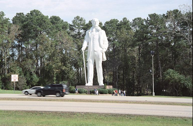 i45_huntsville_statue_close_18_2004-11-2