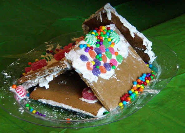 10 epic gingerbread house fails | Homemade