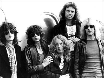 Collection: AEROSMITH : BIOGRAPHY
