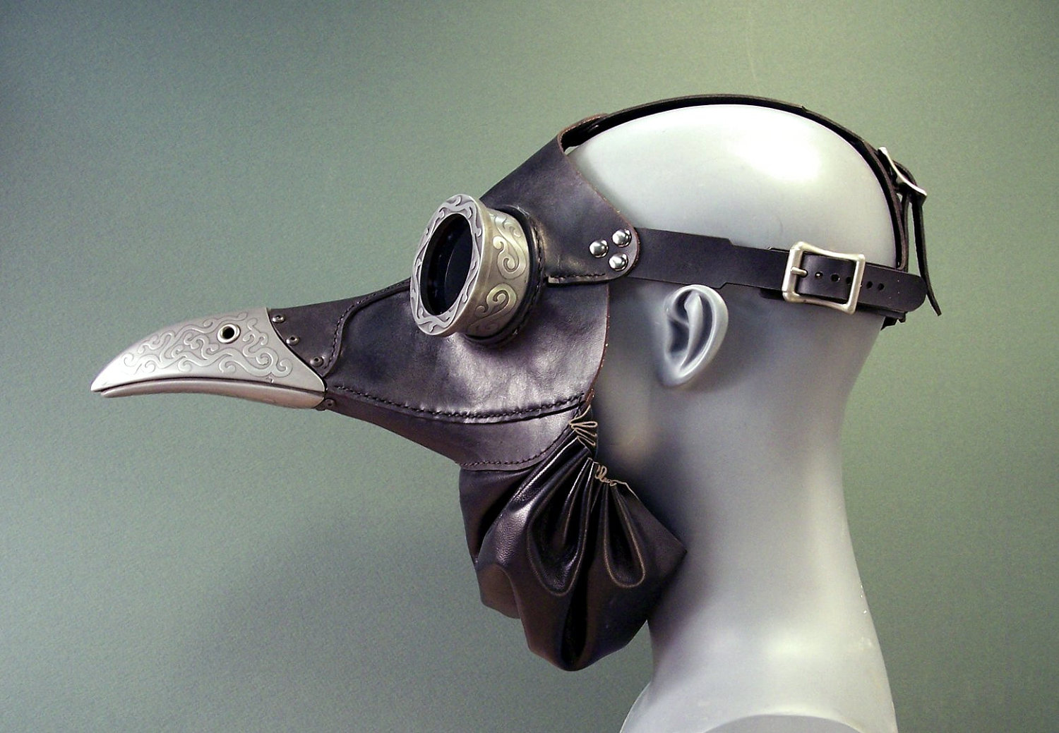 If It's Hip, It's Here (Archives): Steampunk Gas Masks ...