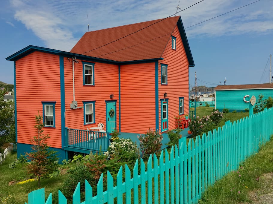 Pumpkin House...a Museum Guest House - Cottages for Rent in Twillingate, Newfoundland and ...