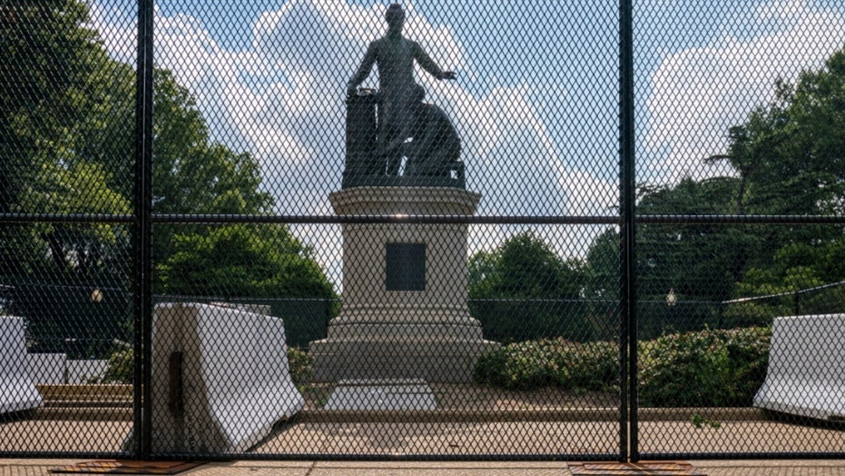 DHS deploys special federal unit to protect monuments over July 4 weekend amid vandalism fears…