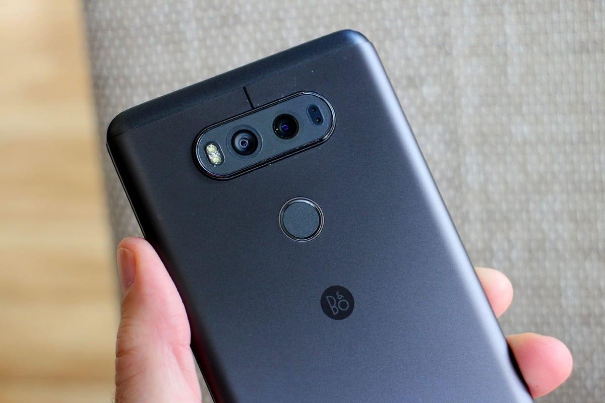 LG V30 оснастят изогнутым OLED-экраном от Samsung - AKKet
