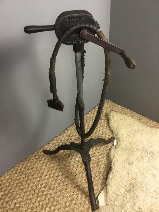 Stewart - Antique STEWART Sheep Shear Machine - Cast iron ...