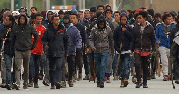 French Official Says Quarantine Should Not be Enforced in Migrant Areas to Avoid Riots