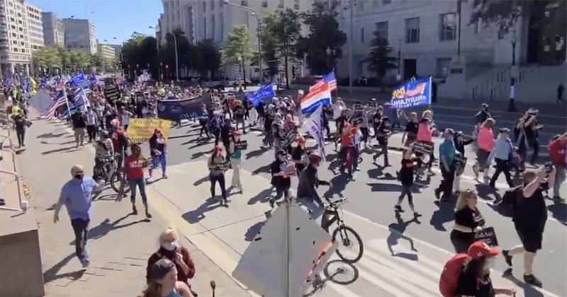 Trump Supporters Flood DC Streets In Solidarity For ...
