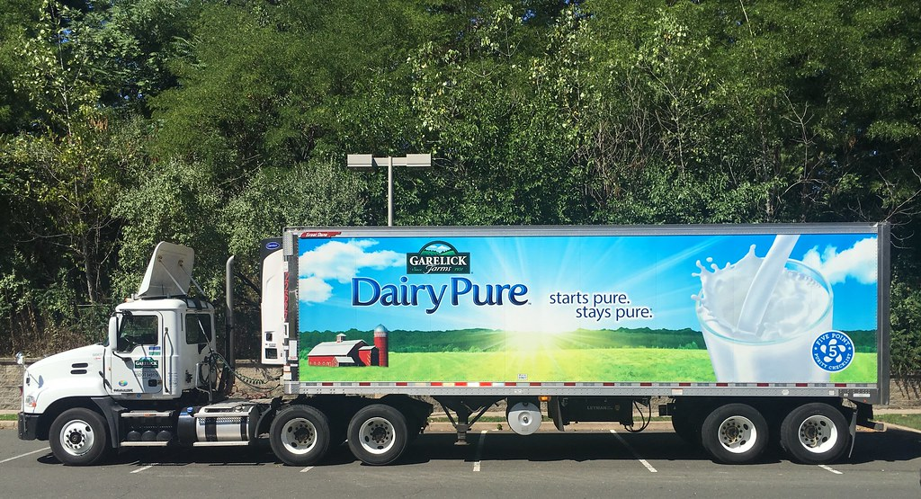 Garelick Farms Milk Truck | Garelick Farms Milk Truck, 8 ...
