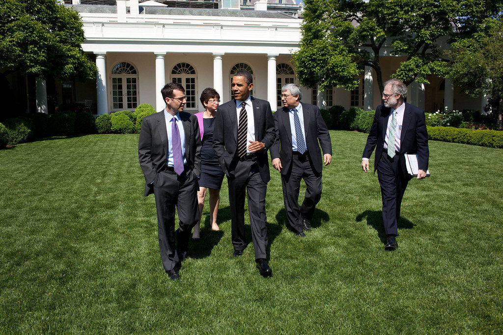 P050911PS-0060 | President Barack Obama walks through the ...