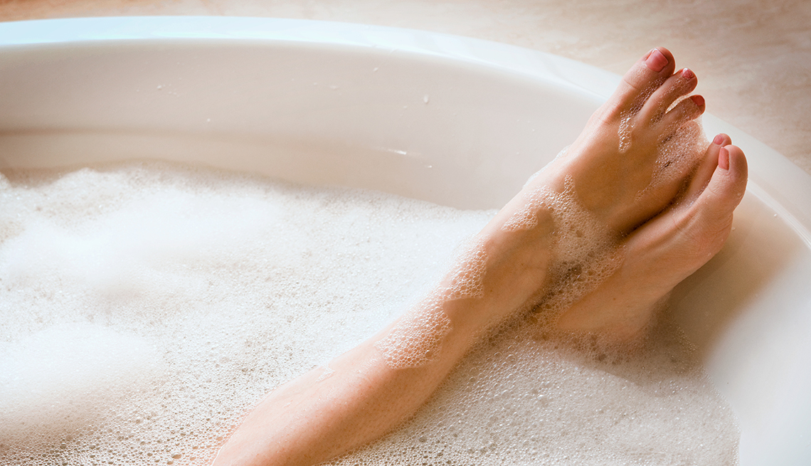 Hot Baths Can Reduce Inflammation, Burn Calories